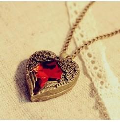 Дамско колие сърце с червен кристал