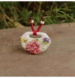 Дамско керамично колие висулка с цвете
